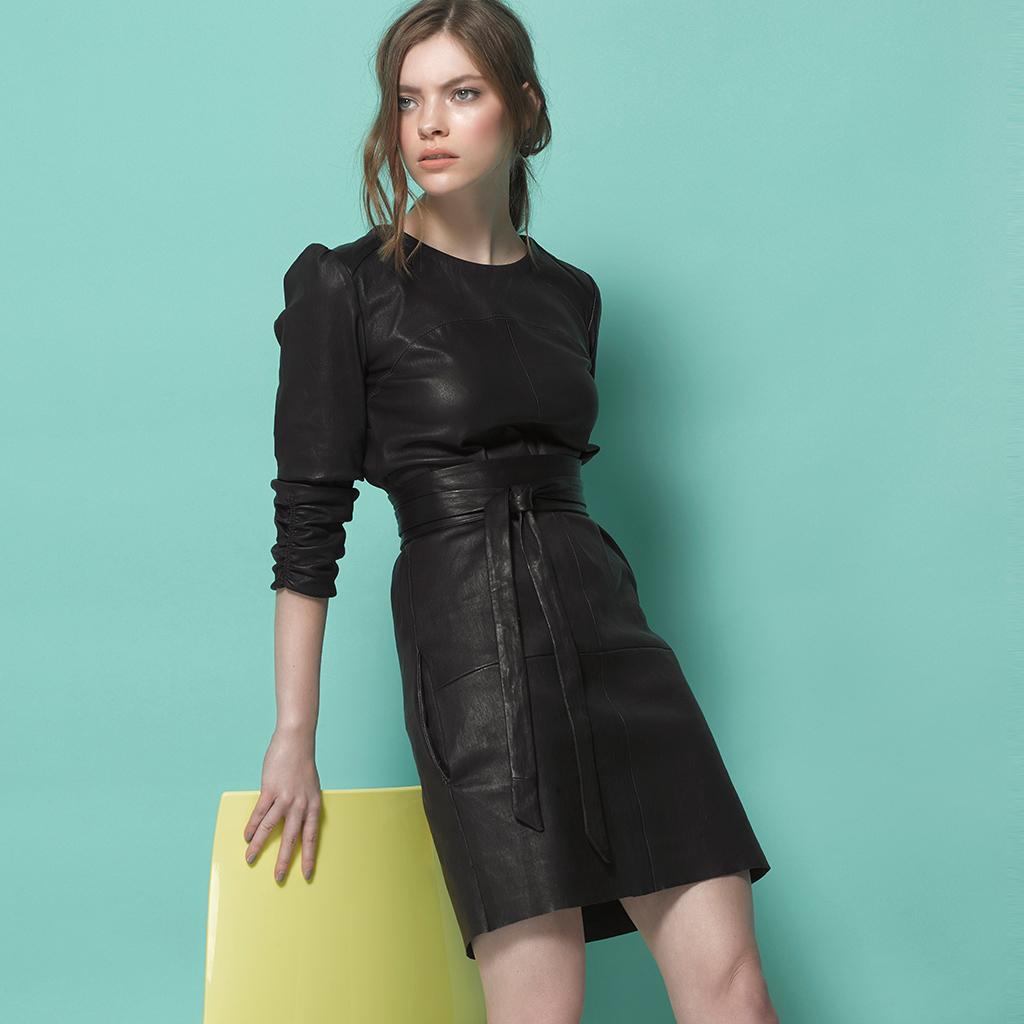 schwarzes lederkleid bella. stretch nappa.