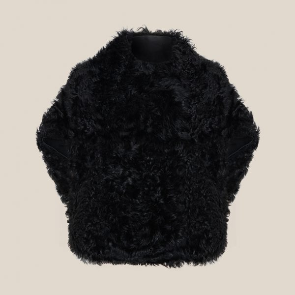 Einzigartiges Lammfellcape in schwarz