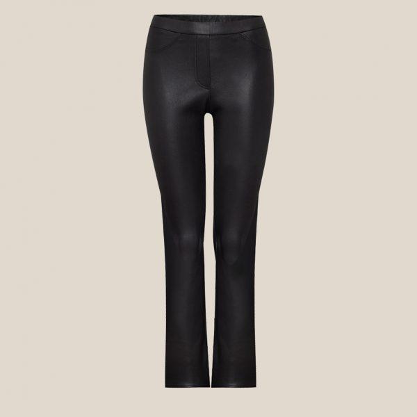 Verkürzte Stretch Lederhose in schwarz