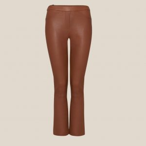 verkürzte Stretch Lederhose in cognac