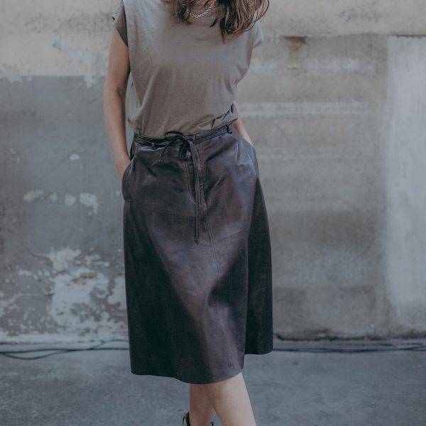 Outfit mit braunem Lederrock von Ayasse A-Linie