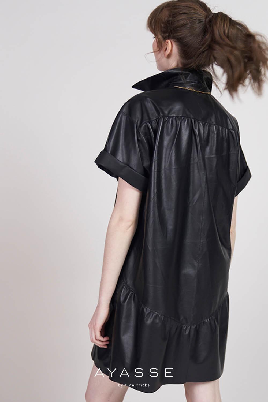 Lederkleid schwarz Alicia von Ayasse herbst winter 2021
