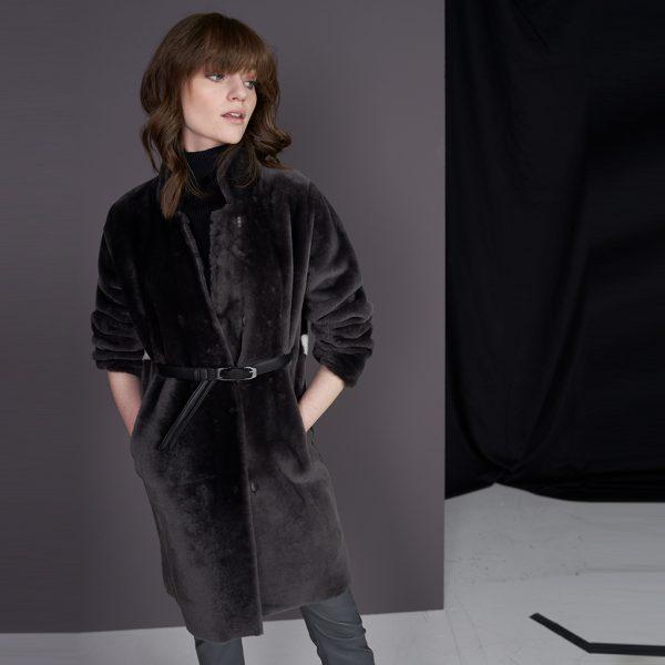 Lammfell Mantel Jane von Ayasse online kaufen - herbst winter 2021